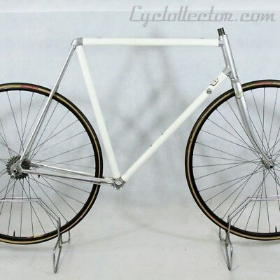 White Frame and Forks Vitus 979 Size 58