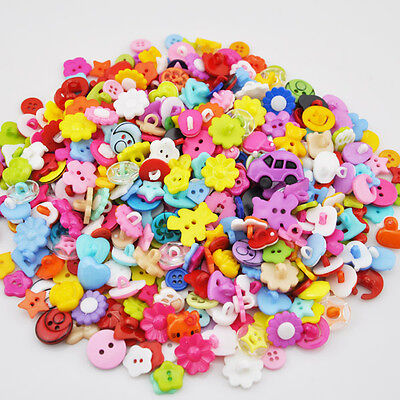 100pcs cute baby DIY doll Scrapbook Sewing Cardmaker plastic buttons mix  PT80