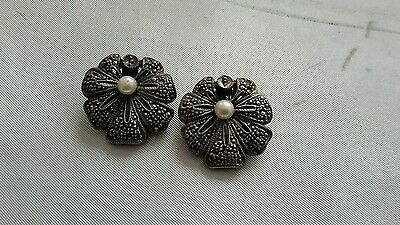 Vtg Sterling silver marcasite flower clip on earrings w/ pearl accent 16.19g