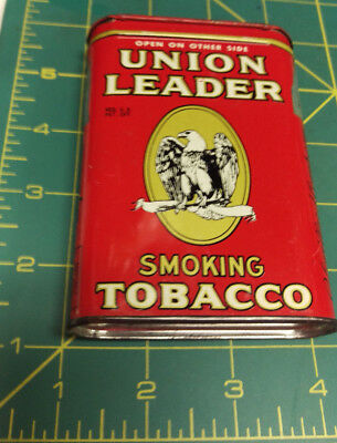 VINTAGE Union Leader pocket style tobacco tin, great colors & graphics