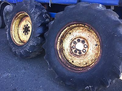 Ford 4000 4600 4610 8 Stud 16.9-28 Tyres and rims