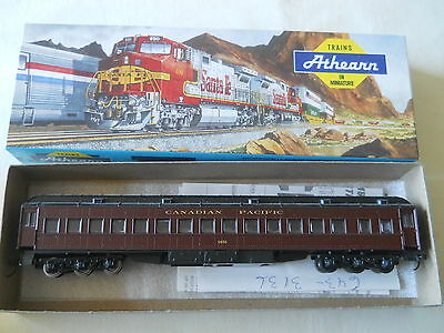 Athearn STD Coach Cler Roof Canadian Pacific CP
