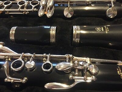 Yamaha 250 Clarinet In New style Case - Excellent Condition
