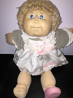 Vintage 1980s Coleco Cabbage Patch Kids  Doll SHORT HAIR BLUE EYES NO FRECKLE