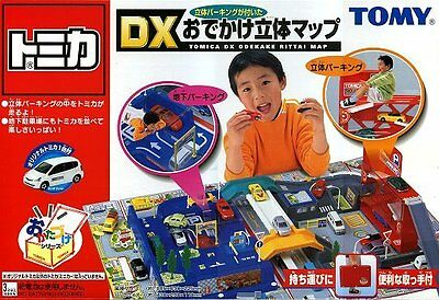 Takara Tomy Tomica World DX Outing Carrying Box 3D Street Map with 1x Car