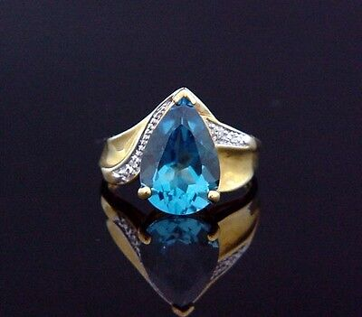 Shimmery Estate Yellow Gold 6 Carat Pear Shaped London Blue Topaz Ring size 8.25