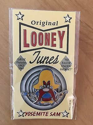 YOSEMITE SAM LOONEY TUNES WARNER BROTHERS 1990's PIN BUTTON BADGE MOC UNOPENED