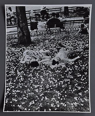 Ernst Haas Vintage Silver Gelatin Photo Print 20x24cm Lying Lovers ca. 1955 B&W