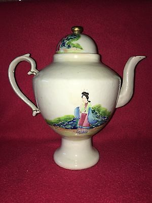 Antique Chinese Export Porcelain Coffee Pot Circa 1800 Oriental Scene With Lady