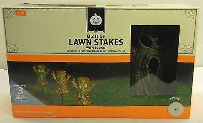 Set of 3 Halloween Spooky Tree Light and Sound Lawn Stakes LED 3 Functions 4744