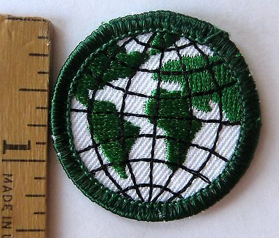 Retired Girl Scout 2001-11 Junior SCOUTING IN MY FUTURE Globe Earth Planet Patch