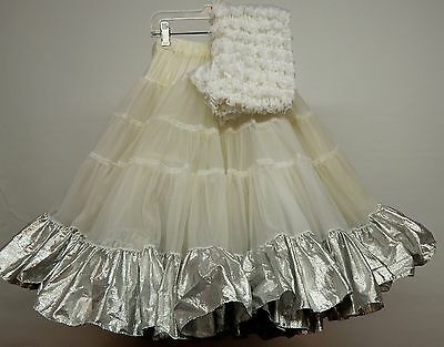 60 Yard White And Silver Petticoat And Pettipants