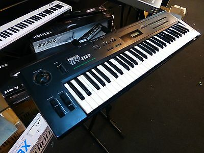Yamaha Sy-22 16-Voice 61-Key Vector Digital Fm Synthesizer Keyboard Sy22 Synth