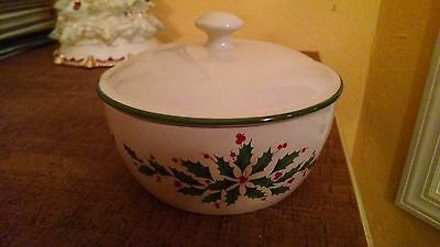 Lenox Holiday Covered Casserole Dish NIB