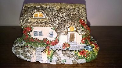 Miniature English Thatched Country Cottage - Hand Painted - Collectable - Vgc