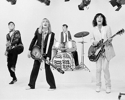 Cheap Trick 8 x 10 / 8x10 GLOSSY Photo Picture