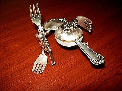 Metal Art Hand Crafted Sculpture Silverware Spoon Fork Statue Frog Silver