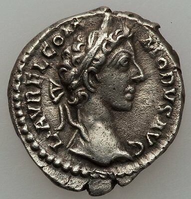 Ancient Rome Commodus 177-192 AD Denarius,Victory seated left (RIC 666)
