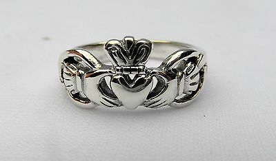 Sterling  Silver  (925)   Claddagh   Ring   !!       Brand  New  !!