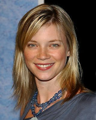 Amy Smart 8 x 10 GLOSSY Photo Picture IMAGE #2