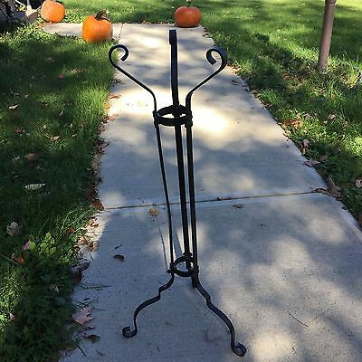 Vintage Antique Arts & Crafts Decorative Wrought Iron Plant Jardiniere Stand