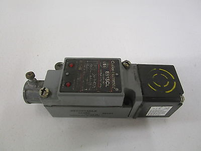 Cutler-Hammer E51Scl Ser. B2 W/ E51Ds1 Limit Switch *used*