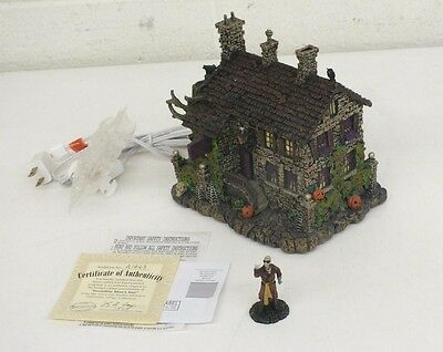 Universal Studios Monsters Hawthorne Village 'Invisible Man's Inn' Collectible