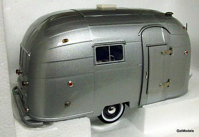Motorcity 1/18 Scale 88101 Airstream Caravan Camping trailer sil diecast model