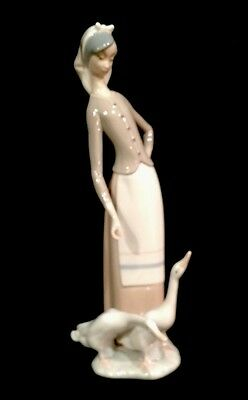 """Lladro """"Girl with Geese"""" no. 1035 Valencia - Excellent condition"""