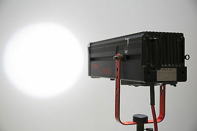 Multiblitz Spot 32 - Broncolor wired - 3200W Zoom Spot