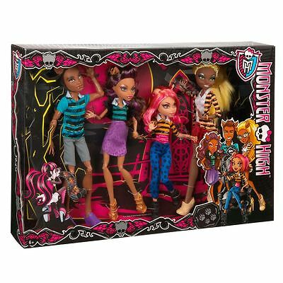 Monster High A PACK OF TROUBLE SET  4 Pack Werewolves - Clawdeen, Howleen,Clawd