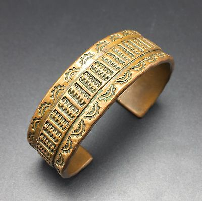 Unsigned OLD Vintage NATIVE AMERICAN Hand Stamped COPPER Cuff BRACELET