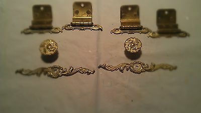 2 Vintage cabinet Door Knobs/Door Pulls/ 4 matching hinges