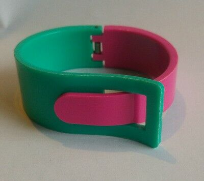 Vintage 80's hinged pink and green lucite cuff bracelet