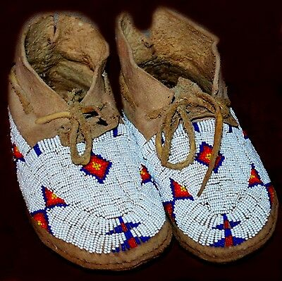 """Vintage Antique 10"""" Native American Cheyenne Indian Beaded Moccasins"""
