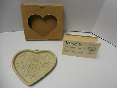 2001 The Pampered Chef Hospitality Heart Cookie Mold
