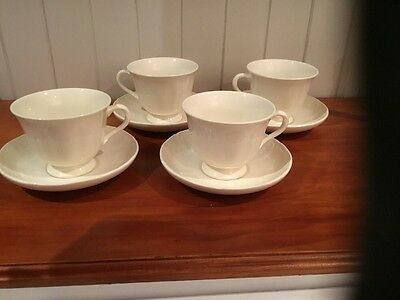 Set Of 4 Wedgwood QUEEN'S  PLAIN / SHAPE Tea Cups And Saucers