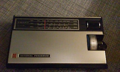 Radio Vintage National Panasonic R-306