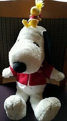 Peanuts/ Snoopy Macy's Large Plush Toy Woodstock and Snoopy with Hoodies