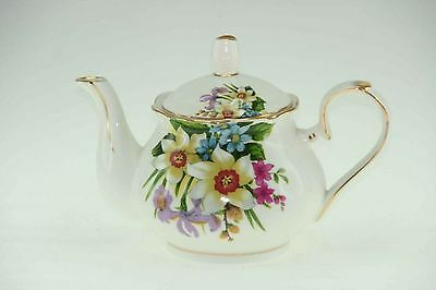Royal Devonshire  Susanna Flower 4 Cup Teapot Tea Pot  China REG POST