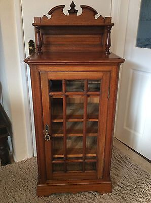 Beautiful Antique Walnut Colour Bevelled Glass Door Sheet Music/record Cabinet