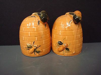 Vintage Ceramic Bee Hive Salt & Pepper with Large Bees