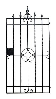 Simple Antique Iron Gate With Arrow Head Finials
