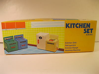 DOLLHOUSE TIN KITCHEN SET CHINA MM057 4 PIECES MINT IN BOX COMPLETE 1980's