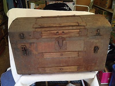 """Antique metal covered wooden round top steamer trunk appr. 28"""" x 17.25"""" x 16"""""""
