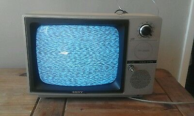 Sony TV - 124UB 1970's television excellent condition