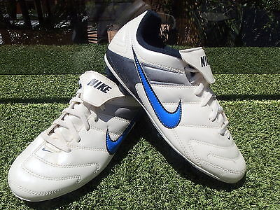 Nike Junior Boys Soccer Boots (Shop Soiled)  Size 4Y 3.5