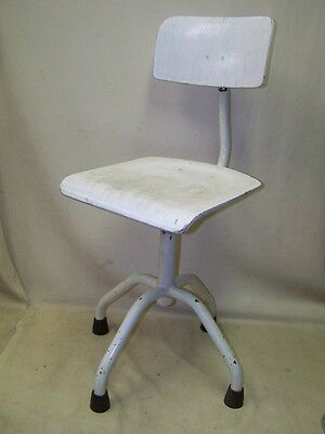 Beautiful age Doctor´s chair Art Deco Swivel Vintage Design Bauhaus Workshop • £137.47