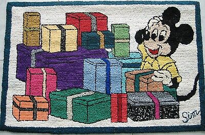 Carpet Handmade Hooked Rugs  25'' 1/2 Ht X 35'' Large Micky Mouse