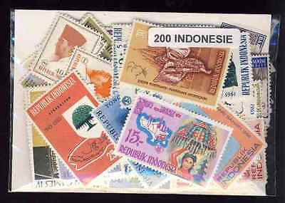 Indonésie - Indonesia 200 timbres différents